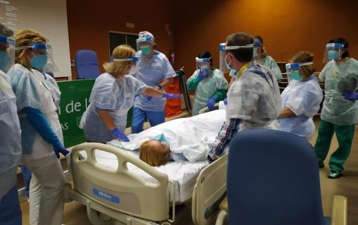 Celadores del Hospital Virgen de la Victoria actualizan conocimientos