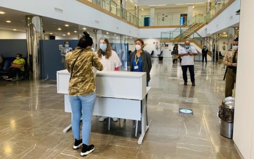 El Hospital Virgen de la Victoria autorizará a una sola persona para visitar