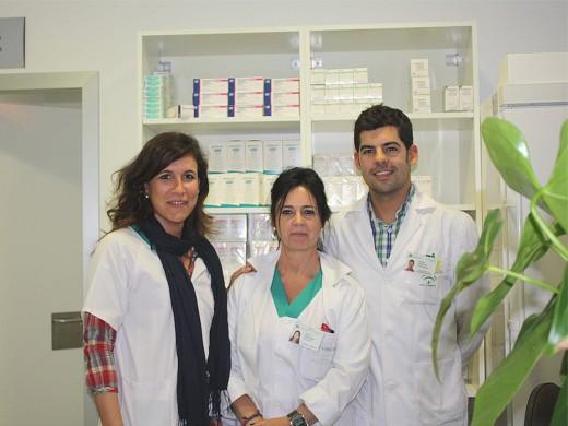 Isabel Moya, Rosa María Augusto y Efrén Márquez en la consulta