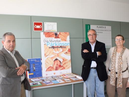 El presidente de la asociación, Luis Saracho junto a otros miembros