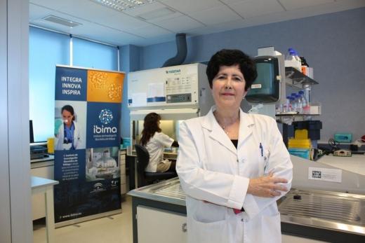 Maria Isable Lucena Gónzalez, responsable del servicio de Farmacología Clínica
