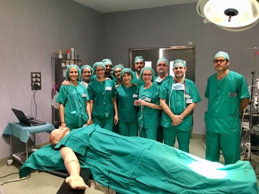 Los especialistas en anestesiología utilizan un robot que reproduce funciones fi
