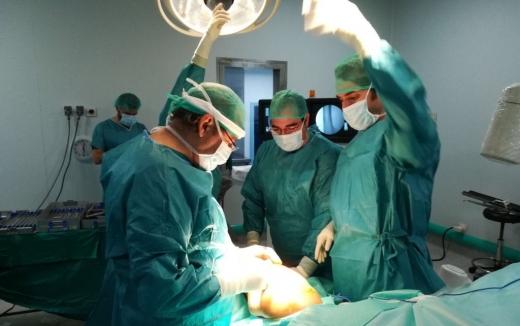 El Hospital Virgen de la Victoria utiliza un avanzado sistema intramedular