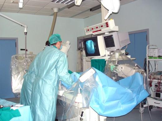 Profesionales de la unidad de Corazón del Hospital Virgen de la Victoria realiza