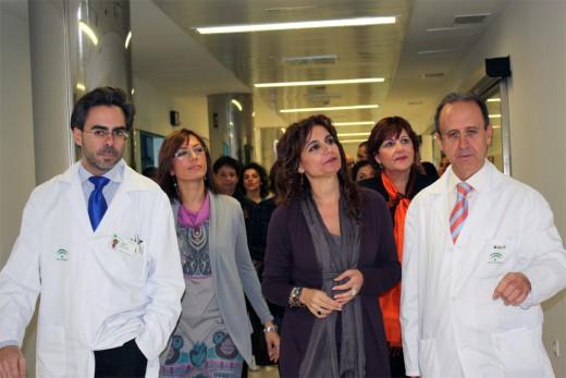 Las Delegadas Provinciales de Salud y del Gobierno Andaluz, el Director Gerente