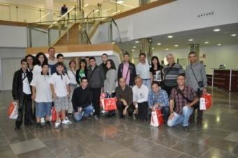 Profesores y alumnos durante su visita al Hospital Universitario