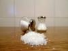 El consumo excesivo de sal se asocia con una elevación de los niveles de tensión